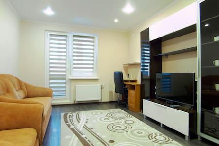 Уютная 2-комнатная квартира - 明斯克 - 公寓
