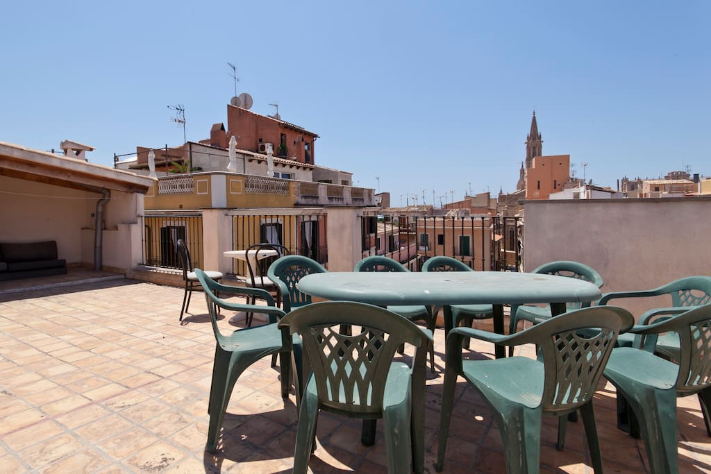 The communal terrace is host to stunning views over the city, rooftops and Cathedral.