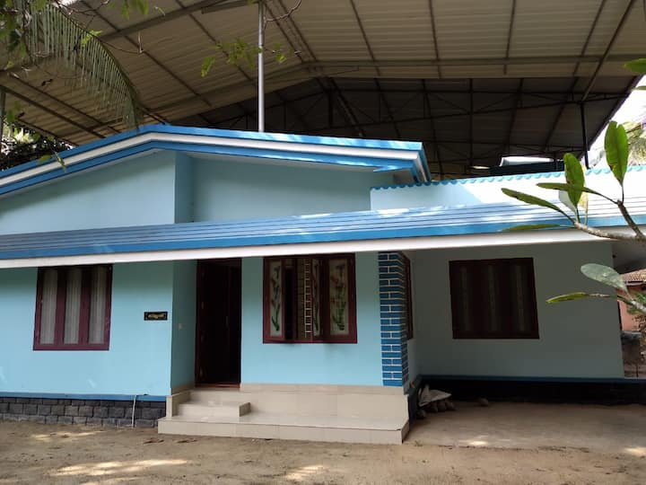 SMRITHY HOME STAYS