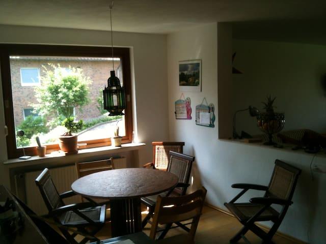 Schönes Zimmer mit Bad/Messezimmer - Springe - Dům