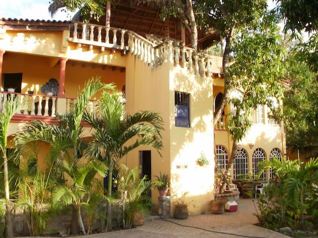 Casa Mango loco - La Cruz de Huanacaxtle