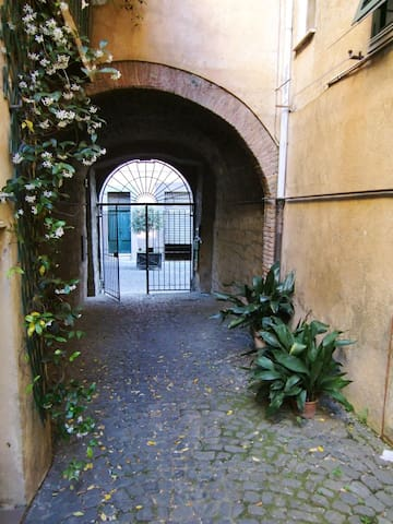 a little house in storic center - Tuscania - Apartamento