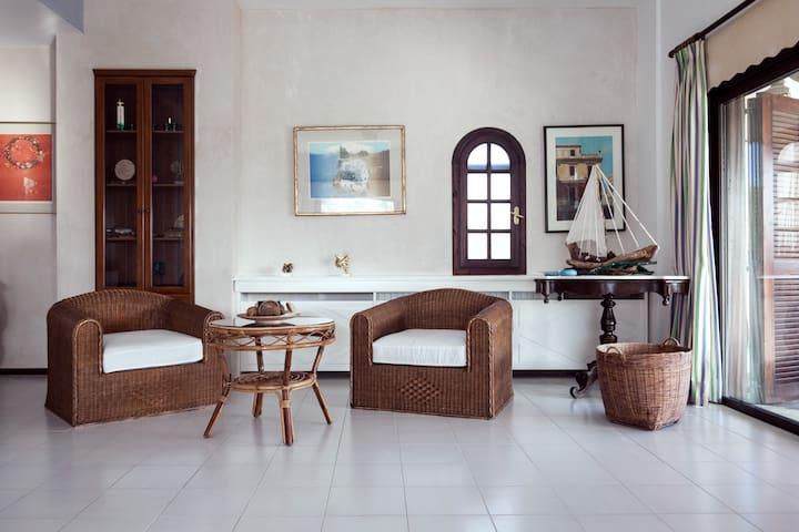 Villa Escada - 5 Bedrooms, Private Pool, Garden