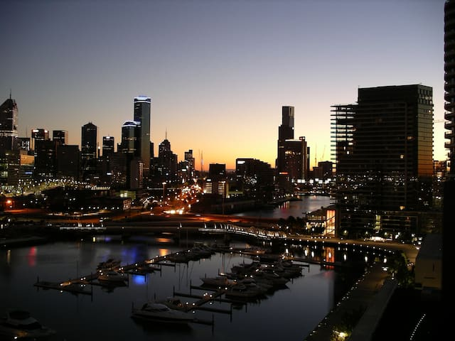 Great river location, THE best views of Melbourne