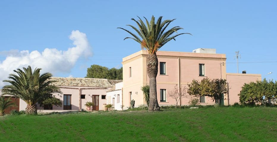WONDERFUL FARM HOLIDAYS IN TRAPANI - Dattilo - Bed & Breakfast