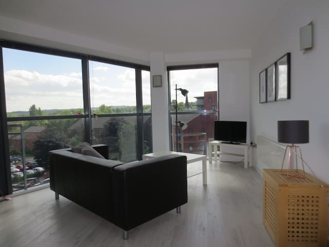 ★ Stunning Apt City Centre & Uni, Parking Possible