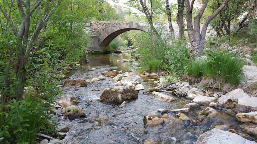 le pont romain a é km