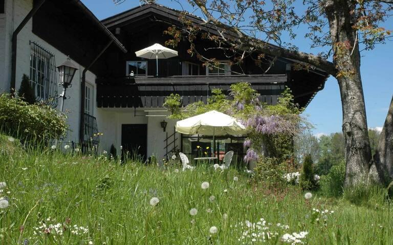 """Chalet Hentschel- Ferienhaus """"Nest"""""""