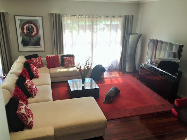 5 Star Comfort with City Convenience. - Heidelberg West - Rivitalo
