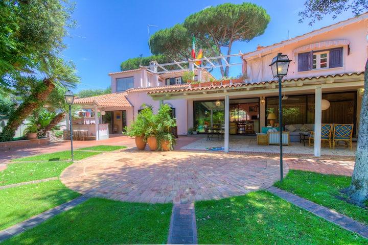 Fregene Luxury Villa ★ Giardino, Piscina ★11ospiti
