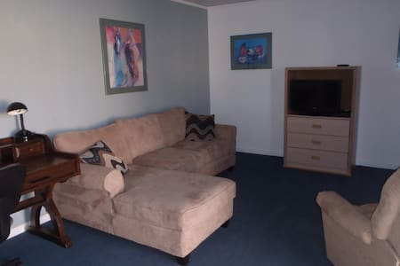 FURNISHED APT - Apartment