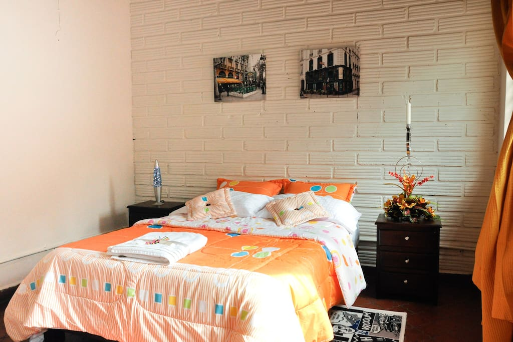 Confortable habitacion #2, cama doble, tv, wifi, ventilado.