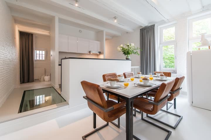 Gorgeous Two-Bedroom Apt at Yays Zoutkeetsgracht