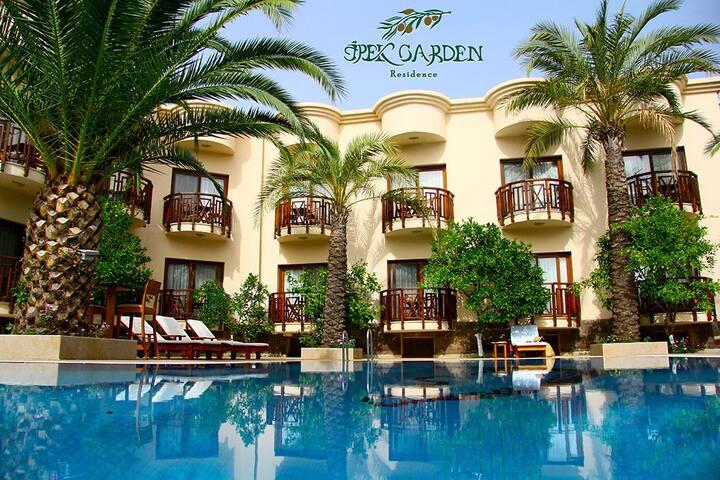 İpek Garden Palace  Residence 1+1 Daire 2 kişilik