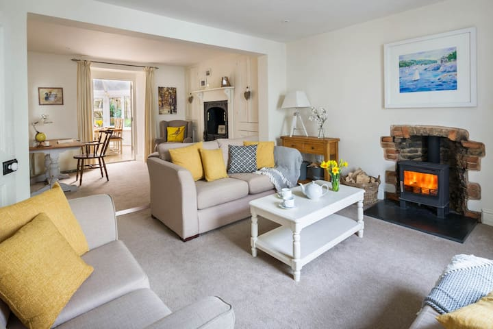 Willow Cottage, charming holiday home in Mylor