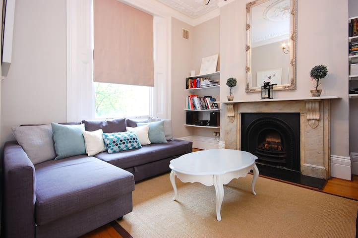 Charming Nottinghill flat in a period building