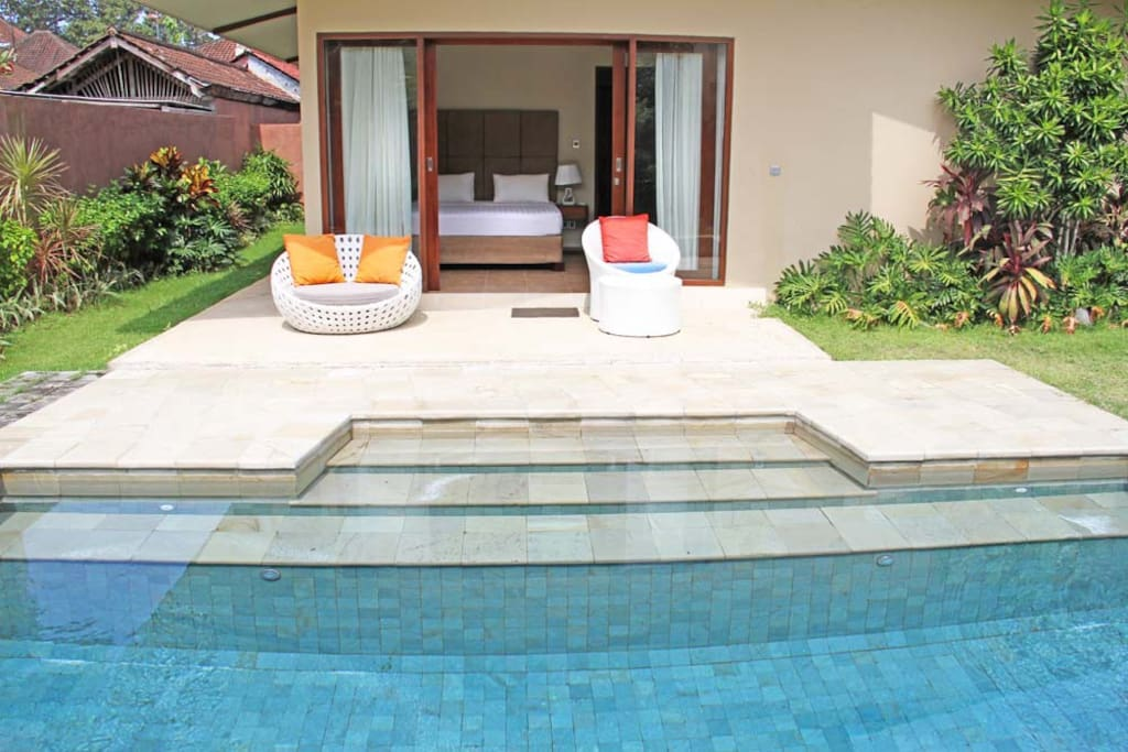 Pool direct access to Master bedroom