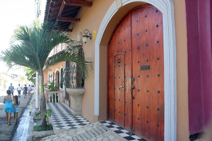 Casa Don Carlos - Gorgeous Colonial - Granada - Dom