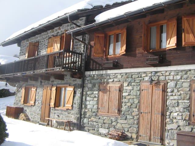 Baita ristrutturata Val D'Aosta - Antagnod - Hytte