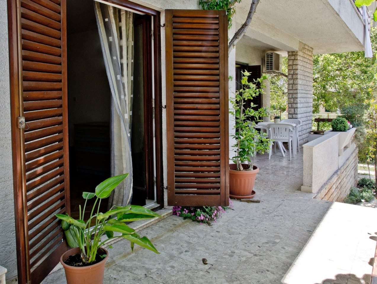 Terrace and bedroom entrance