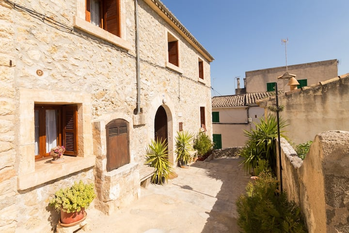 Es Pujol. Beautiful Mallorcan house in Campanet.