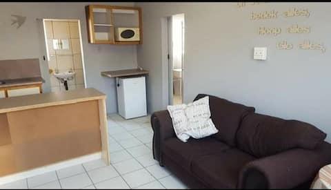 Upington spacious private room and bathroom