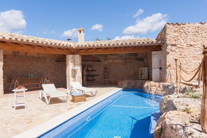 Preciosa casa de pueblo con piscina en Algaida