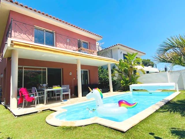 Villa 110m2 vue mer + piscine à 150m du rivage
