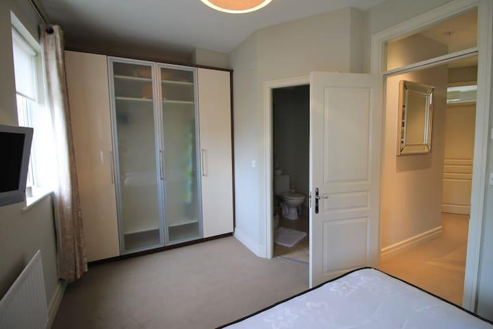 Fresh and spacious bedrooms near Dublin centre