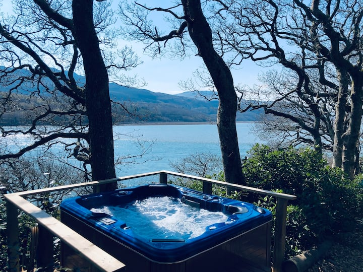 Waterside Cader Cabin with Hot Tub