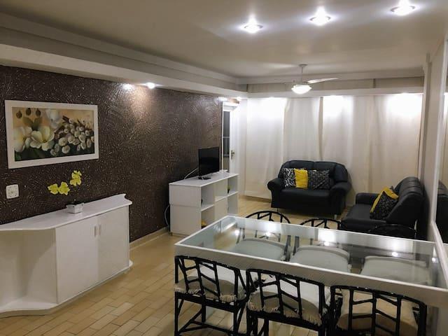 O melhor apartamento à50m da praia em Pitangueiras