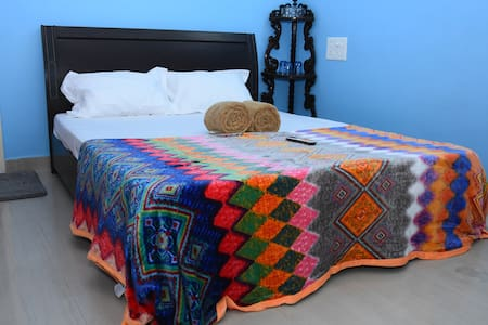 Private room/All house hold amenities/Long stay- 2