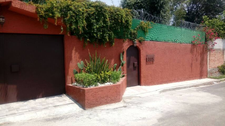 Xochimilco inn
