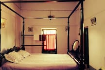 A Double Bed Room At Heritage Homestays Amadpur.