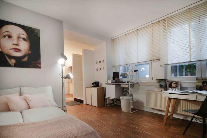 W16.2 - apartment #wlan#nespresso#kunst#toplage!