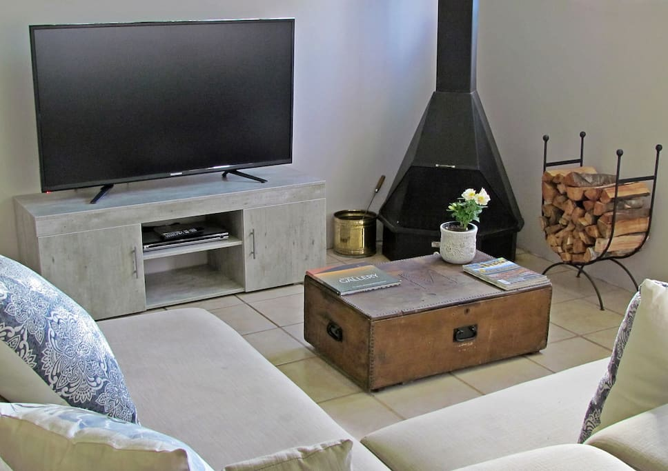 Lounge area with smart TV
