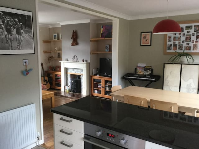 Spacious family home in Brighton - Brighton - Hus