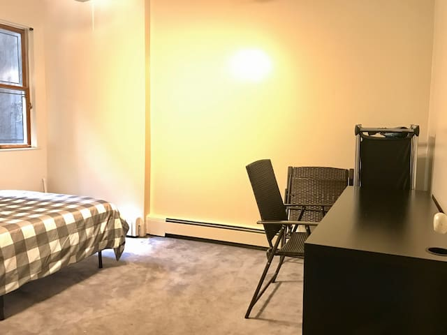 Private room for 2ppl, 1 min from Times Square!!