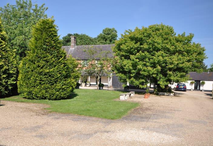 Linney Cottage, Whitebridge Farm