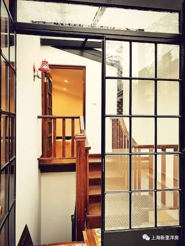 安西路武夷路老洋房二楼静谧单独房间地铁江苏路站 1room in quiet old house