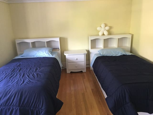 Two single beds in room, Bloorcourt Village