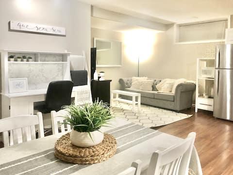 Private, Open Concept, Cozy & Comfortable Suite