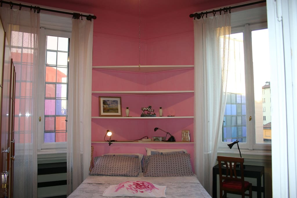 FIRST ROOM :  pink room with new bed matrimonial /seconda camera rosa con letto matrimoniale nuovo.