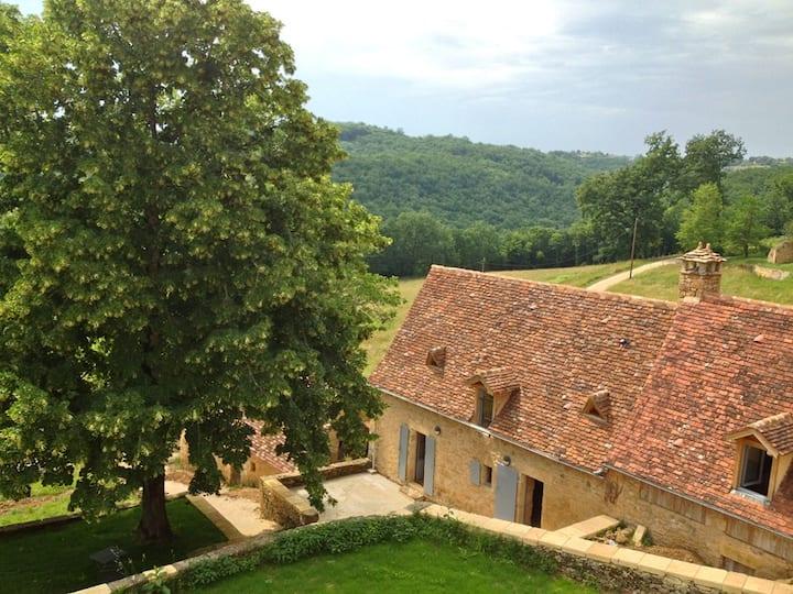 Milou House: Restored Stone Gite