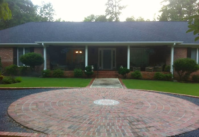 PINEHURST RETREAT FOR 2014 US OPEN - Pinehurst