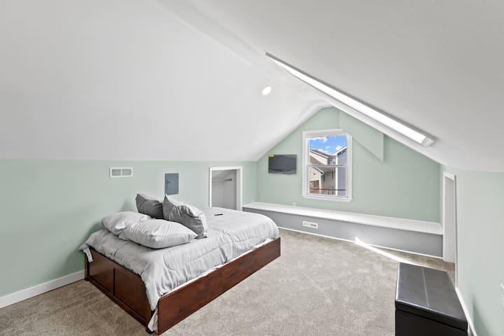 Second Floor Room 4