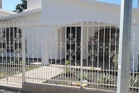 Bonita casa en Choix, Sin