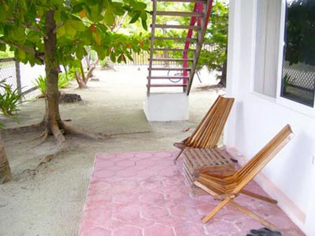 Charming Tropical Garden Studio at Picololo - Caye Caulker - Hus