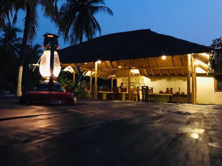 Golden Beach Comfy Cabanas 2