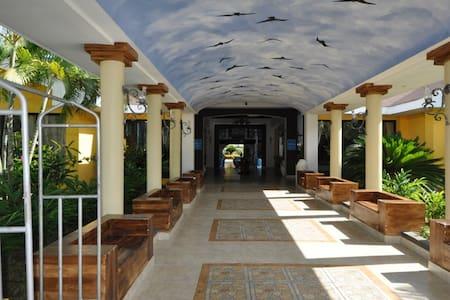 Caribbean Beach House with Pools - La Ceiba